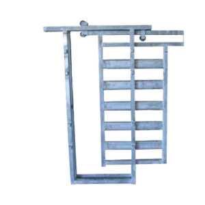 Slide gate cattle handling equipment